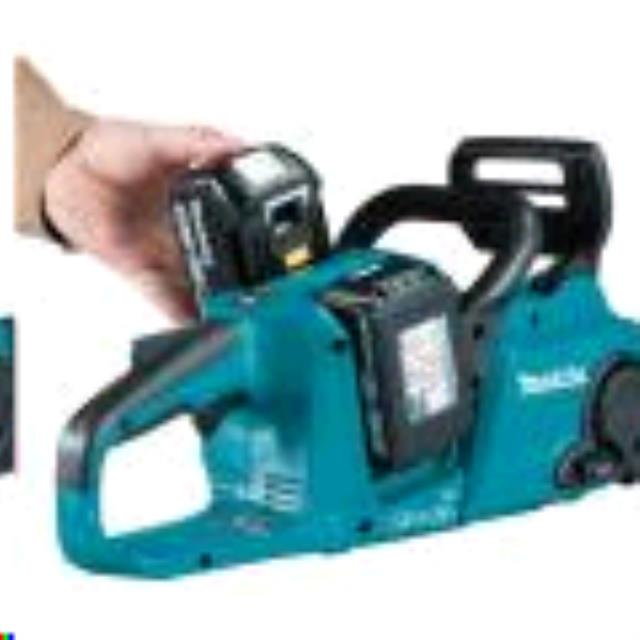 Where to find 14  BATTERY POWERED CHAIN SAW in Davis